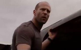 《敢死队》片段:空中生死极限