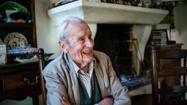 《指环王》作者儿子去世,享年95岁:一生保护父亲作品改编权