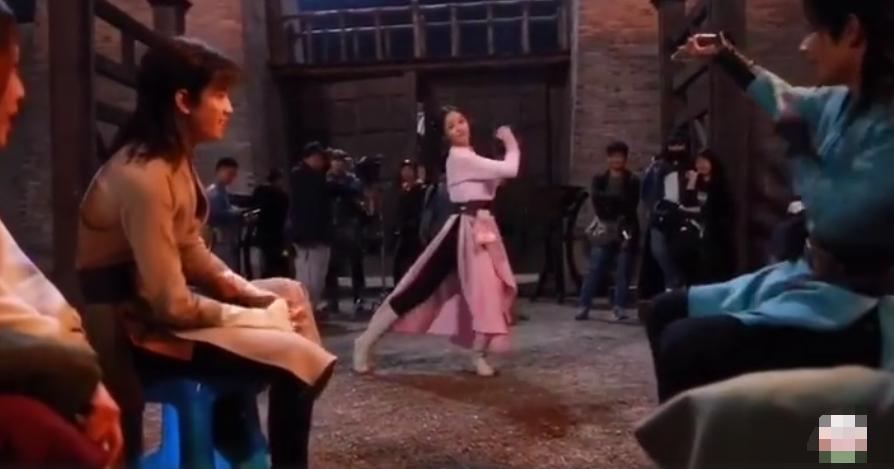 吴宣仪《斗罗大陆》曝路透 穿古装跳女团舞