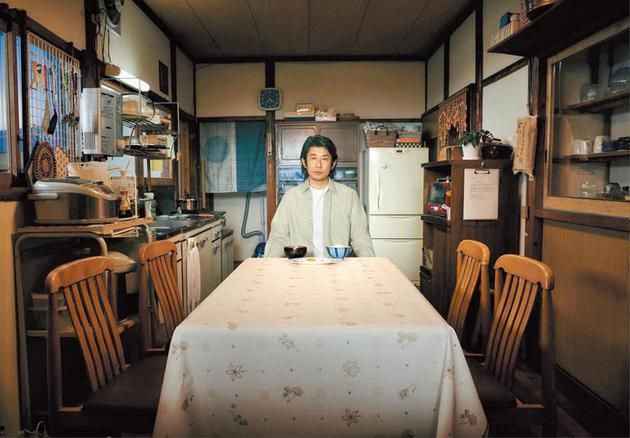 影帝影后集合《最初的晚餐》 永濑正敏读剧本读到忘我
