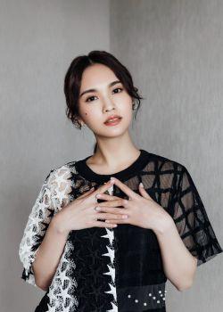 杨丞琳同时给魏晨郑恺送祝福 网友:以为俩新郎结婚了