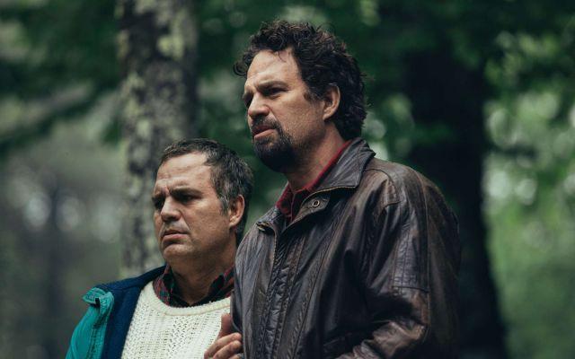 马克鲁法洛分饰双胞胎兄弟 HBO新剧《我知道这是真的》预告