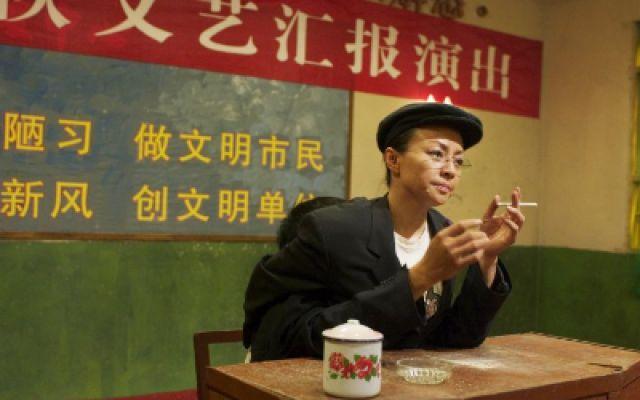 赵本山宋丹丹两人说双簧, 唱歌唱到最后,终于忍不住笑场了