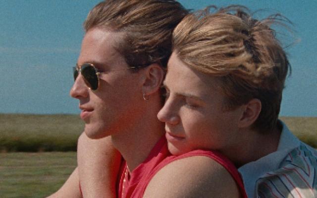 满满的夏日气息!弗朗索瓦欧容导演新片《85年盛夏》中字正式预告