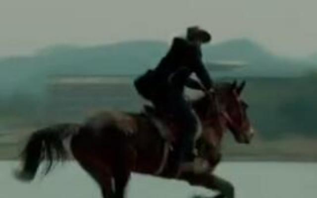 《出走的马蹄》 预告片 人生的目标在远方