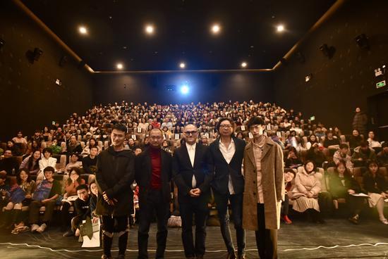 《坂本龙一:终曲》热映 大师日常生活披露