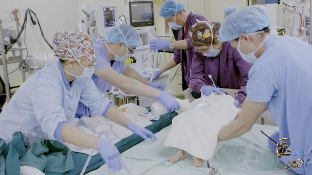 纪录片《中国医生》讲述医生的痛与爱引发共鸣!