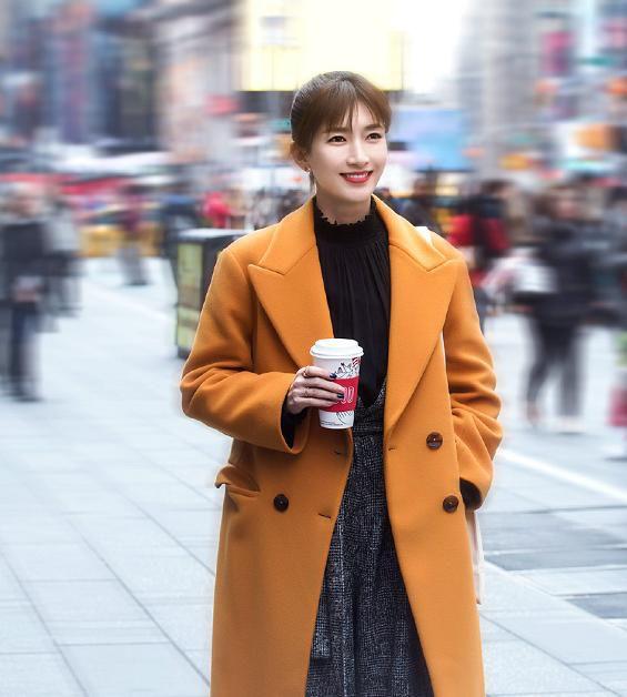 江疏影新剧《我在北京等你》定档,造型时尚,真耐看