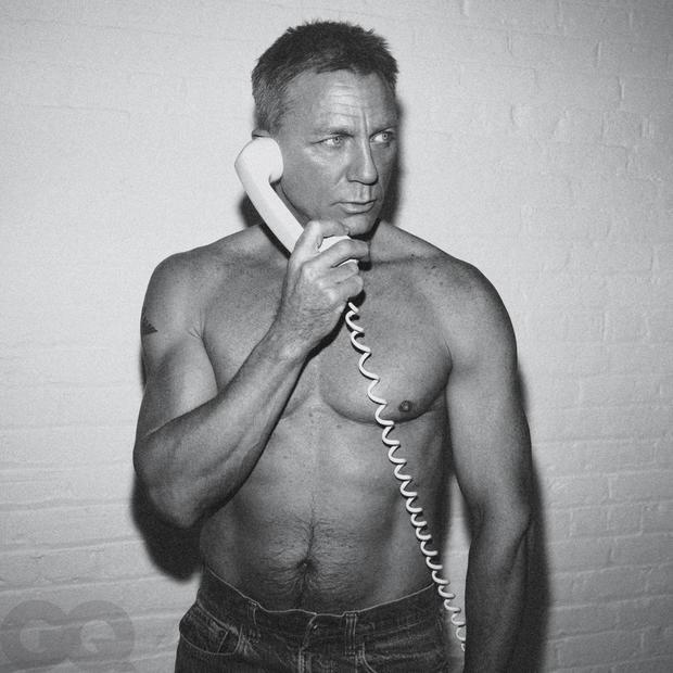你能看出52岁吗?007丹尼尔克雷格曝性感写真
