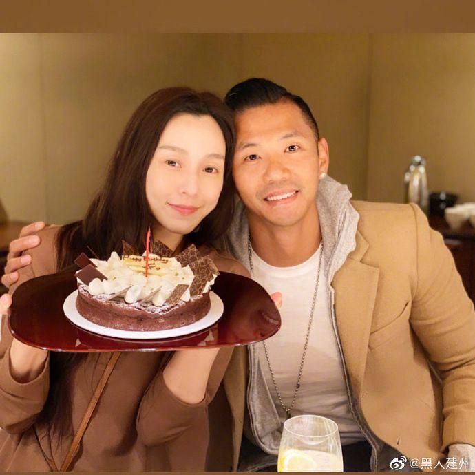 陈建州晒照为爱妻甜蜜庆生 范玮琪手捧蛋糕幸福满满
