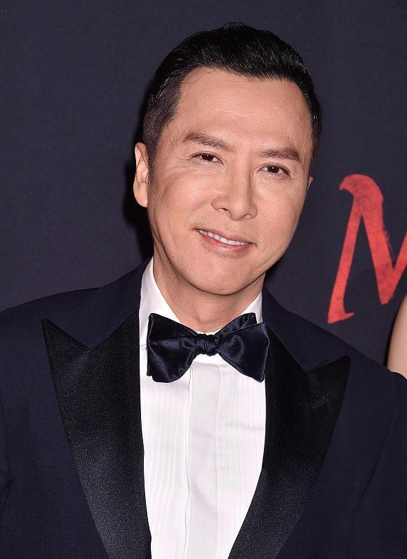 作为一部中国题材的《花木兰》,其中16位中国面孔演员,只有甄子丹是中国人