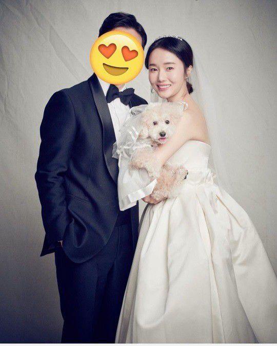 李贞贤庆结婚一周年 晒与圈外老公甜蜜婚纱照
