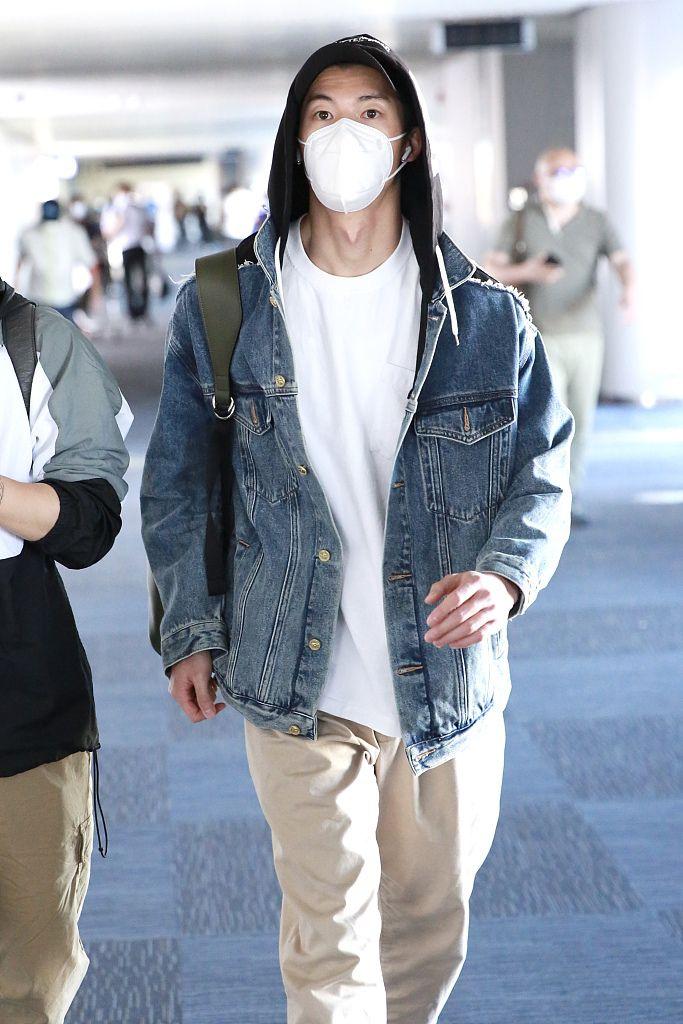 《想见你》许光汉素颜现身 化身夏日系男友
