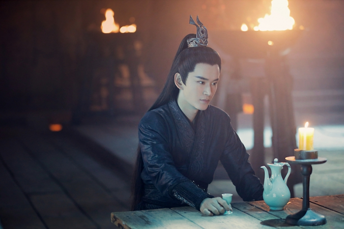 《琉璃》火热开播 邪性少年黄宥明霸道上线