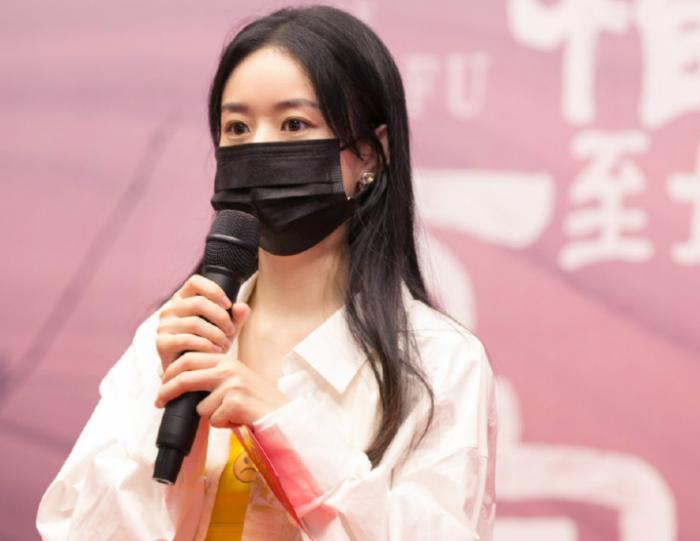 赵丽颖新剧合作郑晓龙导演后,杨幂也争取到好资源,影帝保驾护航