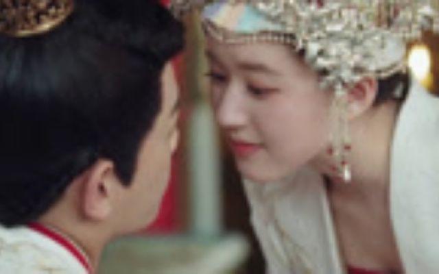 《传闻中的陈芊芊》:赵露思偷亲投食狂撩丁禹兮,相爱相杀,苏甜互虐