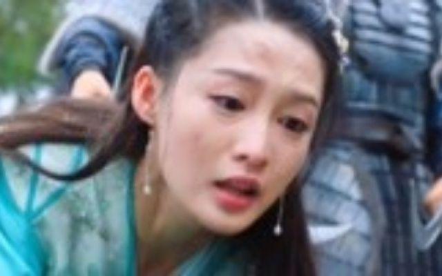 《楚乔传》燕洵丧心病狂,生生砍掉元嵩一条胳膊,淳儿当场疯了