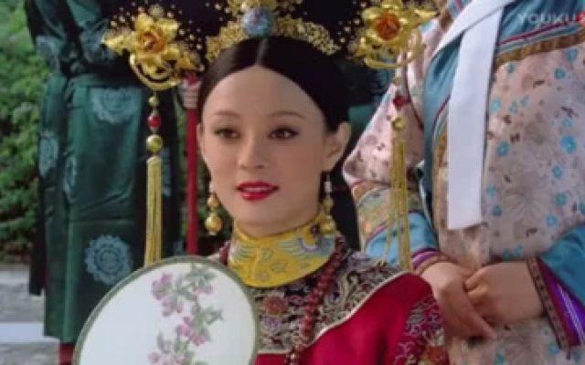 甄嬛传:青樱推开胧月的瞬间,注意甄嬛和敬贵妃