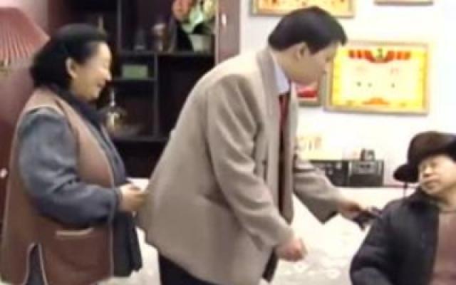 东北一家人:舅爷潘长江来了, 一口一个孙子让牛小伟很无奈!