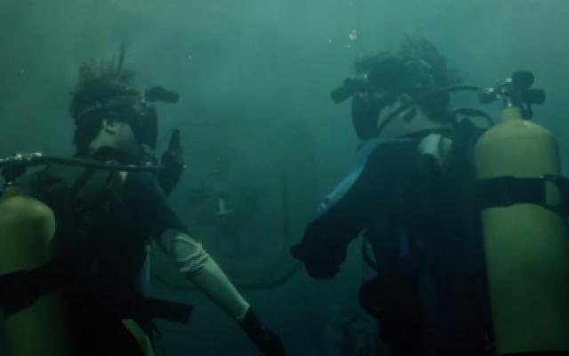 《重启2》吴邪小白下水进死当区差点被电死