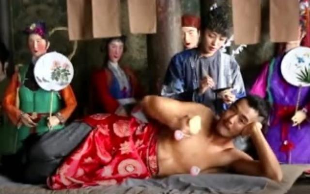 """河神2花絮,王紫璇金世佳""""床咚""""现场,导演说这个有点费苹果"""