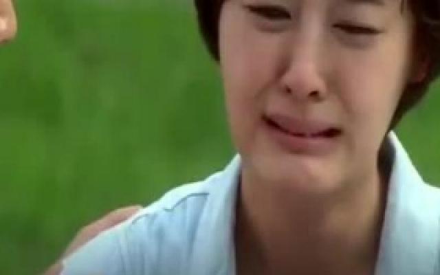 《丑八怪警报》韩剧中的女主哭起来为什么很好看,因为会找演员